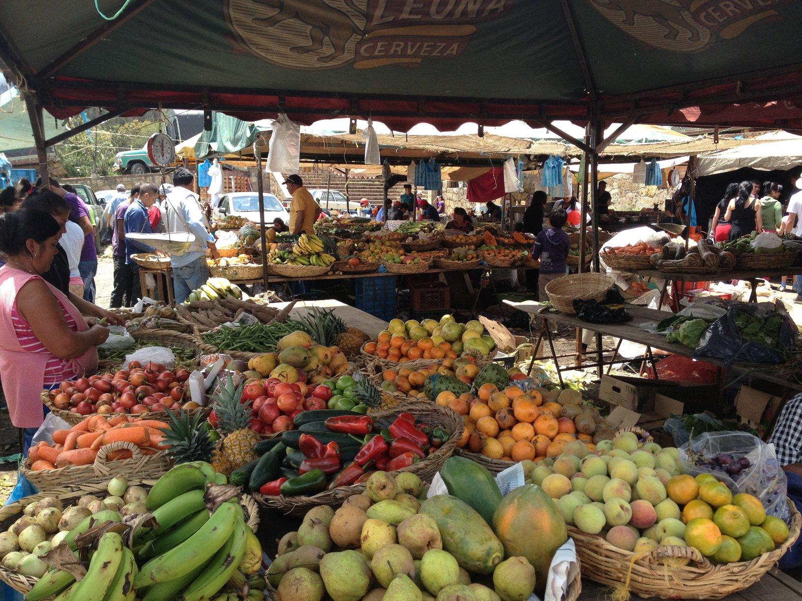 exotische markt met fruit